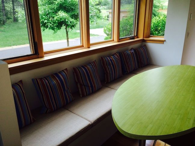 Guest-Cottage-breakfast-nook@0