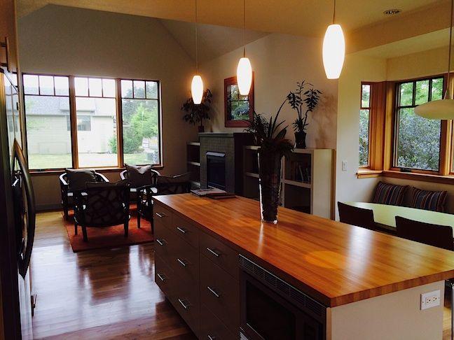 Guest-Cottage-living-room@0