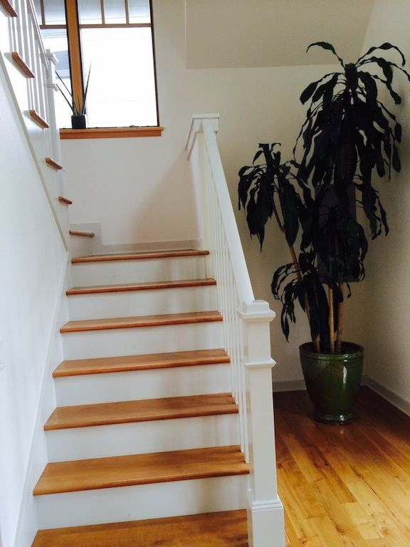Guest-Cottage-stairs@0