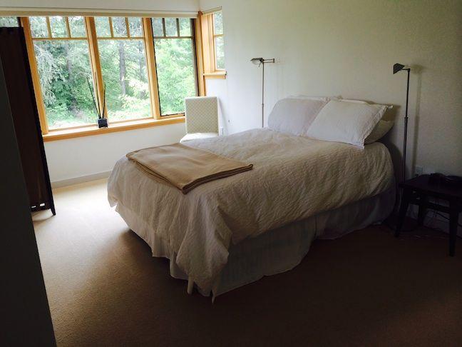 Guest-Cottage-up-bedroom@0